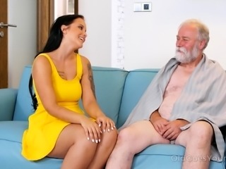 Young maid nailed by 2 dicks in old vs young video