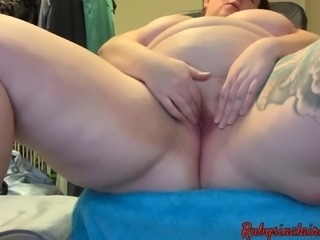 Sneaky BBW Solo Cum with Fingers Only