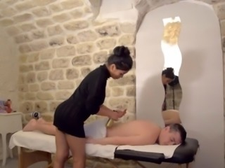 Thai massage parlor with happy end sucking dick