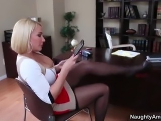 Naughty America - Find your Fantasy with Mellanie Monroe