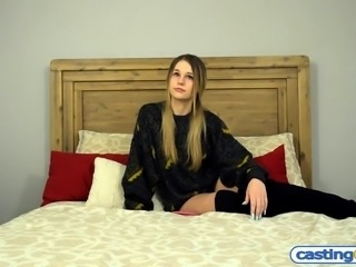 Hipster amateur teen with a big round ass fake casting fuck