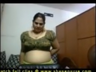 Andhara girl friend exposing her big boobs to show to her boyfriend