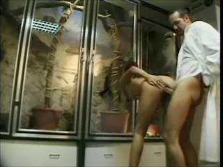 Extreme sex techniques: the lizzard