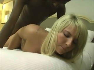 Sexy Hot Blonde Gets Creampied