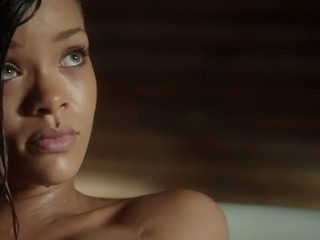 Rihanna - Stay (Nude bath)
