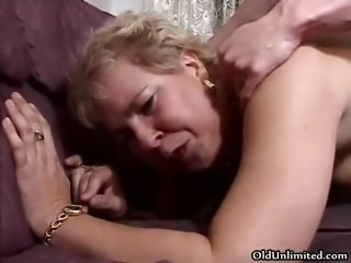 Nasty mature slut goes crazy getting her