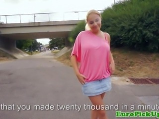 Euro amateur flashes her big tits for cash HD