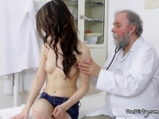 Beautiful gejza is ready for her gyno exam