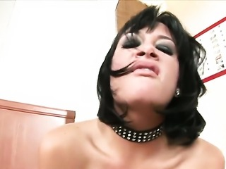 Tory Lane demonstrates her neat love hole in solo scene