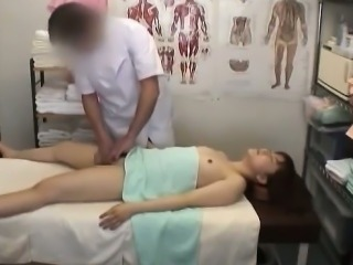 Adobrable Asian Girl Fucked