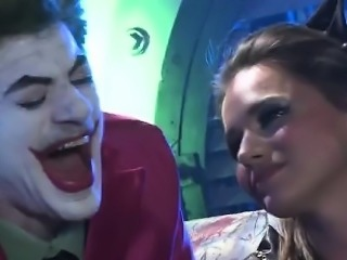 Battchick and Robbin spy the Focker banging 2 crazy hotties