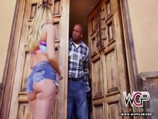 WCP CLUB Big ass blonde babe squirts for the first time free