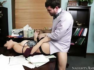 Brunette Preston Parker gets her pretty face cummed on after sex with hot man