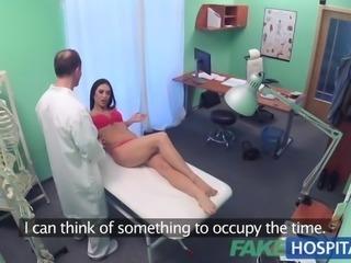 FakeHospital Doctor fucks sexy holiday maker