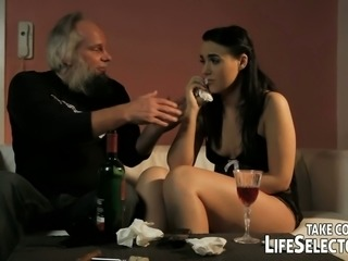 Salacious babe give splendid blowjob to old rich dude