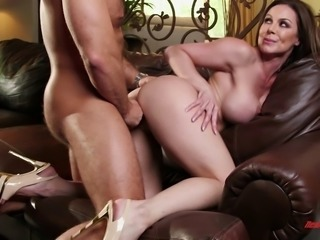 One of the hottest MILFs ever performs a stunning cowgirl ride