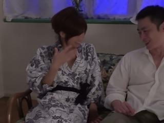 Chihiro Akino gives good blowjob to a duo of dudes