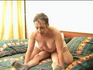 Plump mom with hairy cunt, small tits & guy