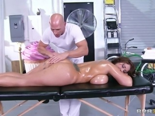 Curvy brunette with massive natural tits getting her shaved pussy licked