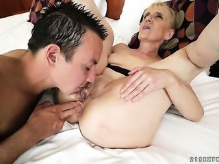 Blonde had her pretty face covered in cock juice a thousand times but wants...