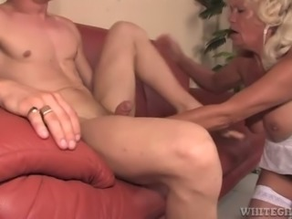 Bodacious granny Franscina is getting it on with a young man