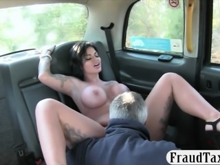 Busty TV star screwed by pervert driver to off her fare