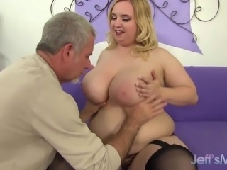 Huge boobs and fat ass girl gets fucked