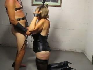 Trashy amateur mom sucking big dick balls deep in homemade BDSM clip