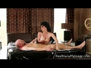 Jerking masseuse jizzed