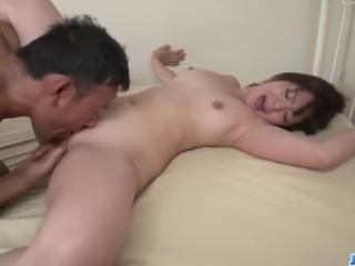 Horny mom, Wakaba Onoue, screams like a dirty bitch