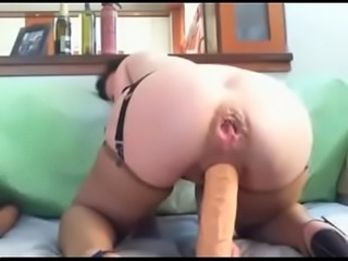 Filthy anal babe from dirtycams666.com playing on dirty show
