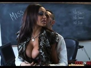 Huge Indian boobs at School