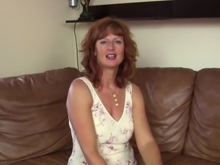 Experienced redhead chick is still very good when it comes to rubbing!