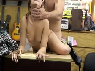Amateur teacher first time Pawnstar meets a rockstar