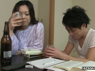 Sleepy but horny Japanese wife wanna get her bushy pussy banged