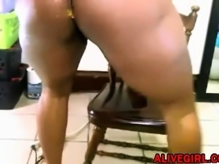 Ebony QueenAnitaDiks pounds her ass and squirts fountain