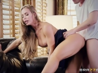 Nicole Aniston wants to feel a hunk's boner in her vagina