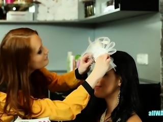 Bride has fun at the salon