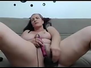 BBW toying hairy pussy on cam - watchfreewebcam.com