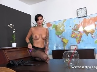 The hottest solo pee action with a naughty professor Gabrielle Gucci