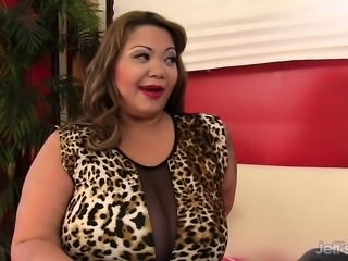 Big boobed BBW makes her buddy super hard and takes it in