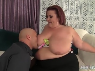 Pretty Plumper Lady Lynn Is Fucked in Her Pussy Before Making the Guy Jack...