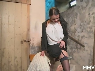 Big breasted chick Anna Von Freienwalde provides plant worker with a BJ