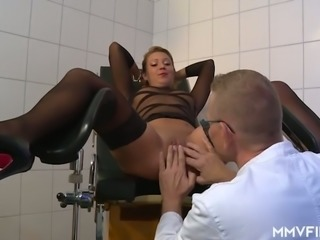 Examined pussy of Bonnie Parker gets properly fucked by nerdy doctor