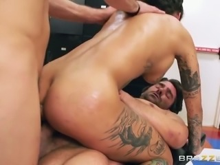 Bonnie Rotten gets double penetrated in hardcore MMF video