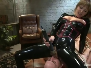 guy gets fucked by divine bitch in latex
