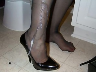 Cum Covered Pantyhoses!