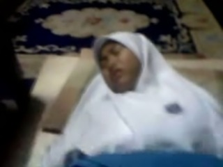 Amateur Hijab slutty Malay lady sucked dick and was fucked mish