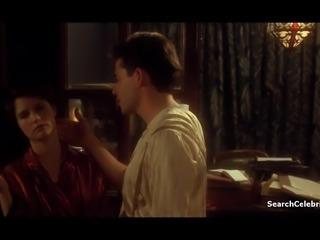 Jennifer Jason Leigh - Mrs Parker and the Vicious Circle
