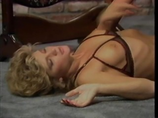 Ginger Lynn's dripping wet hole is all a guy wants plow